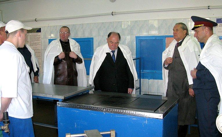 Сенатор А. Александров посетил ИК— 2 иИК— 3 вКалужской области