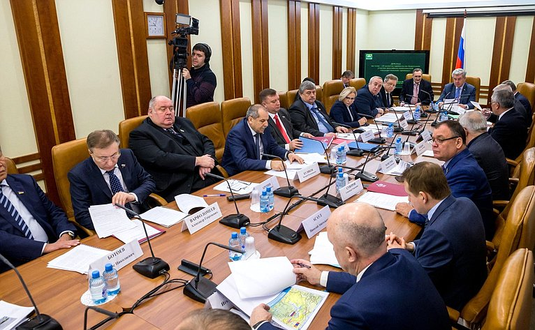 Заседание Комитета СФ пообороне ибезопасности