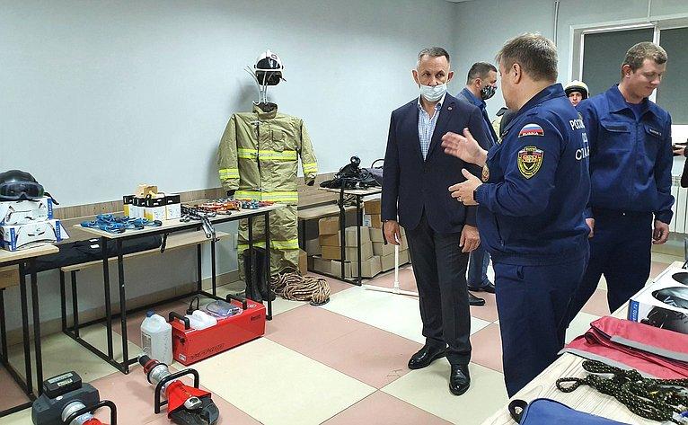 Сенаторы посетили колледж Ресурсного центра поподдержке добровольчества всфере культуры безопасности иликвидации последствий стихийных бедствий Удмуртской Республики