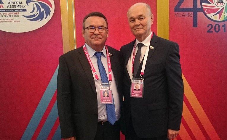 Р. Зинуров иМ. Щетинин