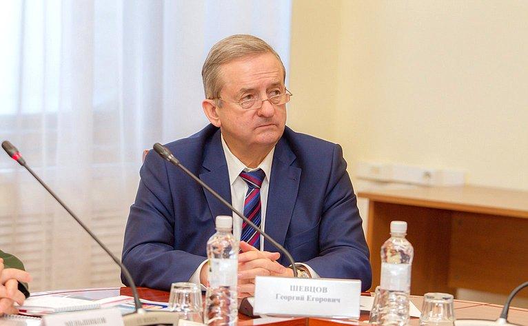 Ю. Воробьев иН. Тихомиров обсудили спредставителями молодежи Вологодской области вопросы патриотического воспитания