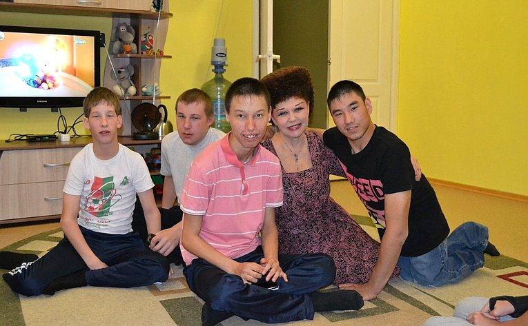 Валентина Петренко посетила ГБУ РХ «Республиканский дом– интернат для умственно отсталых детей «Теремок»