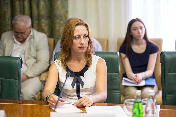 В Совете Федерации состоялось заседание Комитета общественной поддержки жителей Юго-Востока Украины-6