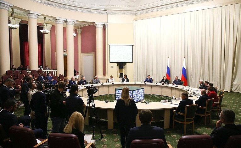 Председатель СФ Валентина Матвиенко провела встречу срегиональным активом