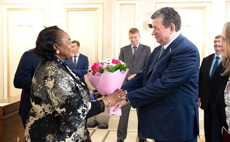 Встреча Е.Бушмина сПредседателем Сената Парламента Республики Экваториальная Гвинея Тересой Эфуа Асангоно