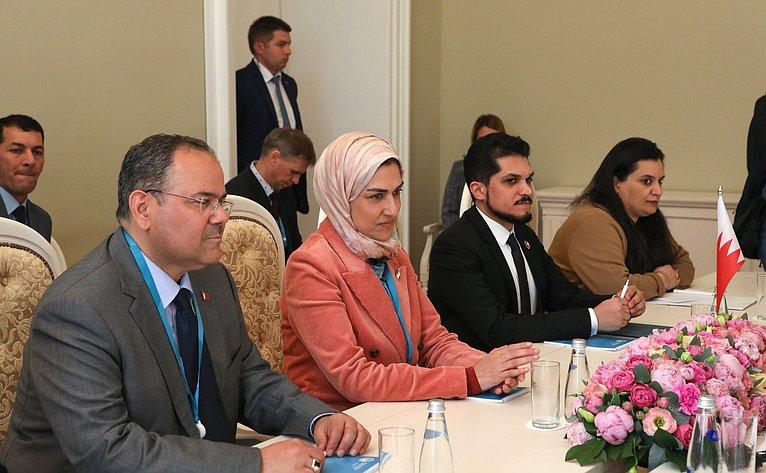 Встреча В. Матвиенко сГенеральным секретарем Верховного совета поделам женщин Королевства Бахрейн Халой Аль-Ансари