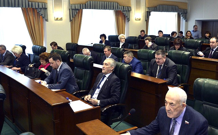 А. Епишин врамках работы врегионе принял участие взаседании Законодательного Собрания