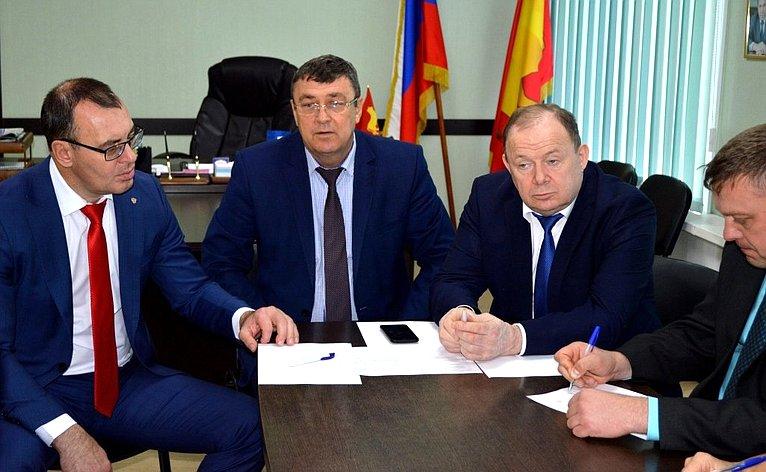 Владимир Лаптев врамках работы врегионе провел прием граждан вадминистрации Куйбышевского района