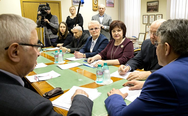 Встреча В. Озерова счленами Правления общественной организации семей погибших защитников Отечества