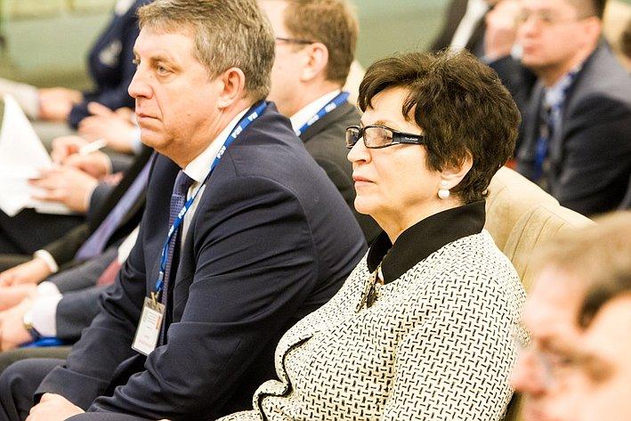 Парламентские слушания в РЭУ им. Плеханова на тему: «Реиндустриализация экономики регионов России как базовое условие реализации политики импортозамещения»
