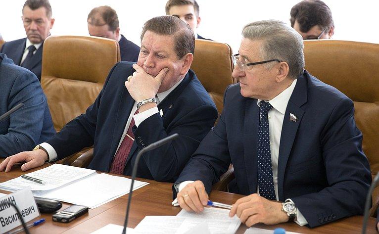 В. Литюшкин иС. Лукин