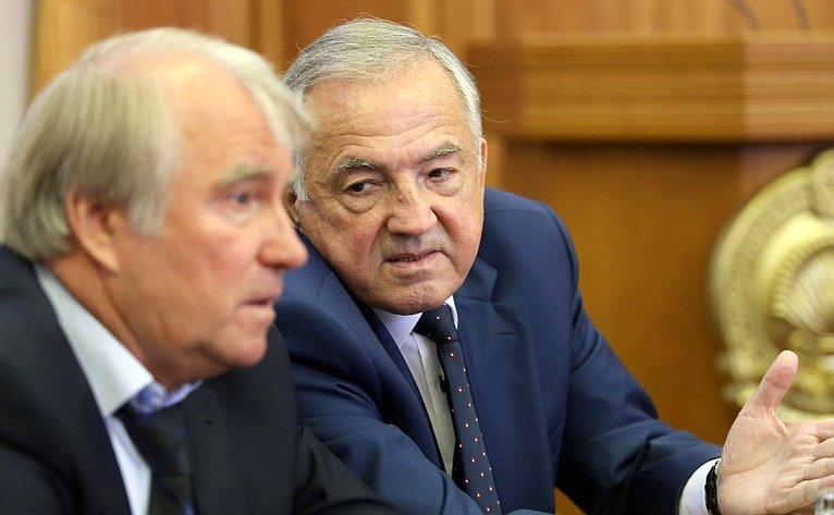 Юрий Бирюков принял участие впервой сессии Народного Хурала Республики Калмыкия
