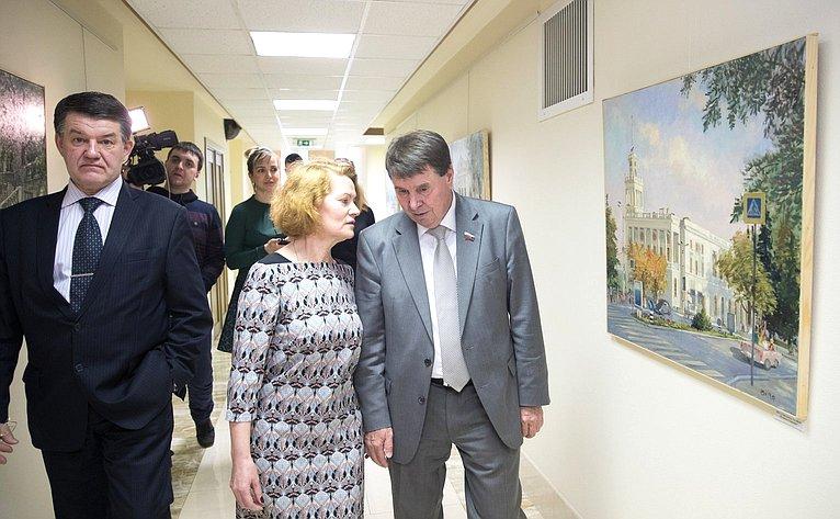 ВСовете Федерации открылась художественная выставка «Крым. Город-герой Севастополь»