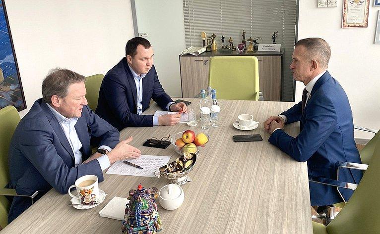 Владимир Кравченко встретился сУполномоченным при Президенте РФ позащите прав предпринимателей Борисом Титовым