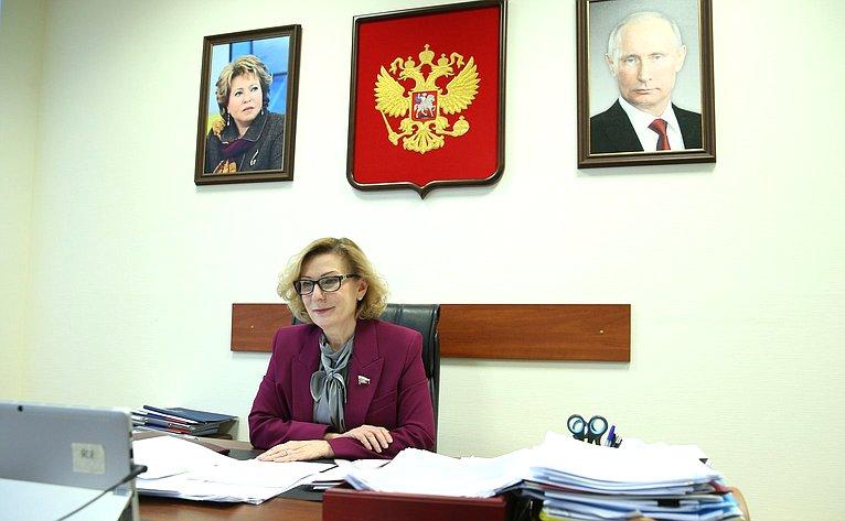 Инна Святенко. Пресс-конференция членов Комитета СФ посоциальной политике