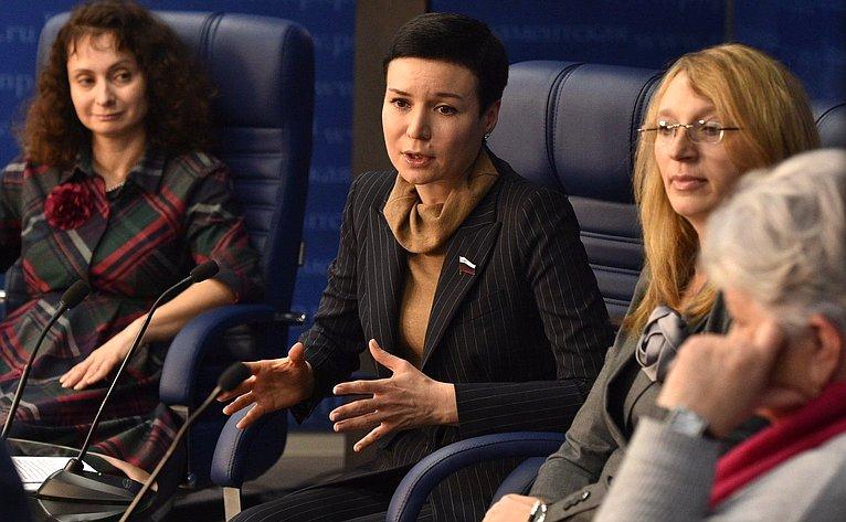 Ирина Рукавишникова в«Парламентской газете»