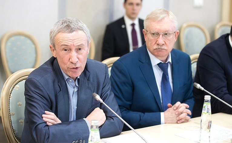 А. Климов иО. Морозов