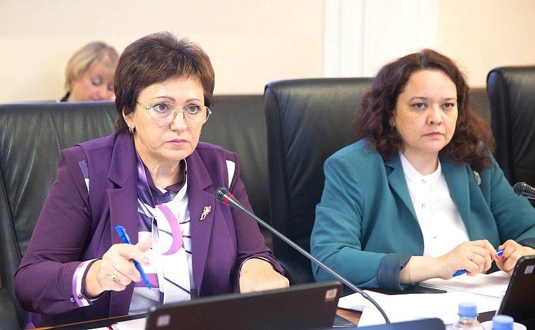 Елена Бибикова иАнна Отке