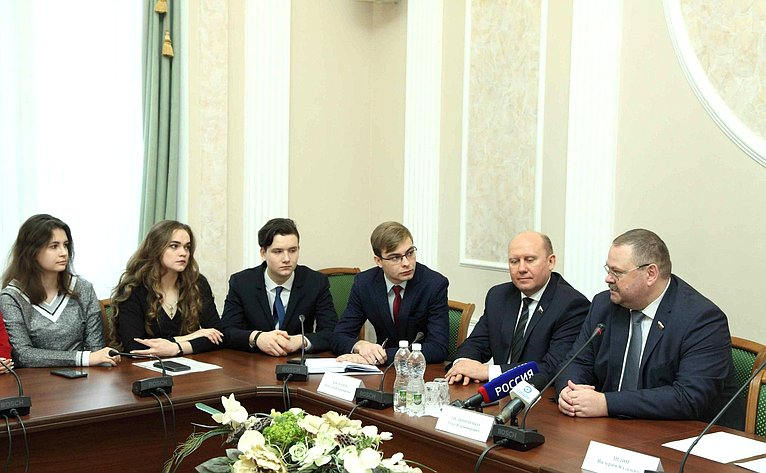 О. Мельниченко провел встречу сдепутатами Молодежного парламента при Законодательном Собрании Пензенской области