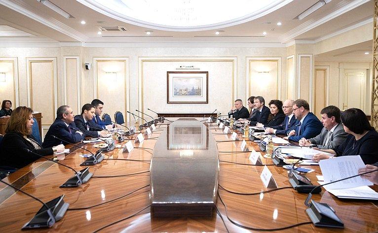 Встреча Константина Косачева сЧрезвычайным иПолномочным Послом Арабской Республики Египет вРФ Ихабом Насром