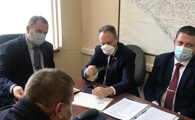 Александр Башкин принял участие взаседании межведомственной рабочей группы повыработке предложений пообеспечению условий миграции сайгаков вАстраханской области