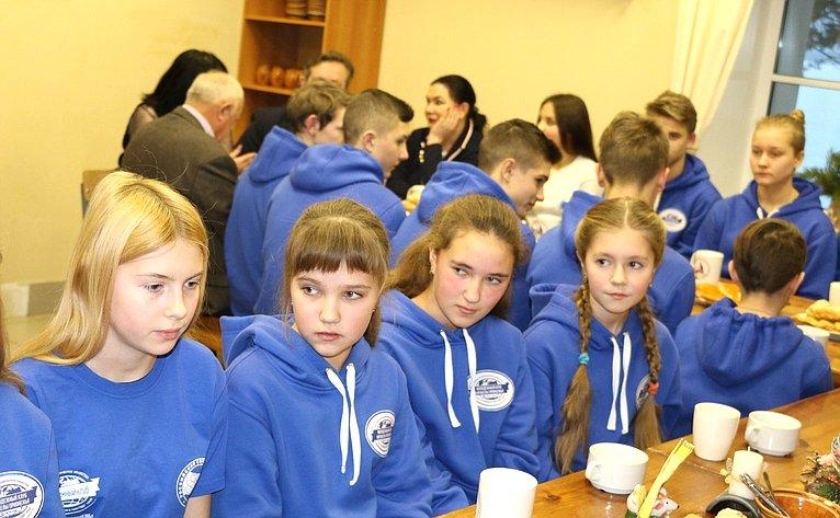 Встреча Ю. Воробьева сактивистами Молодежного клуба РГО «Корабелы Прионежья»
