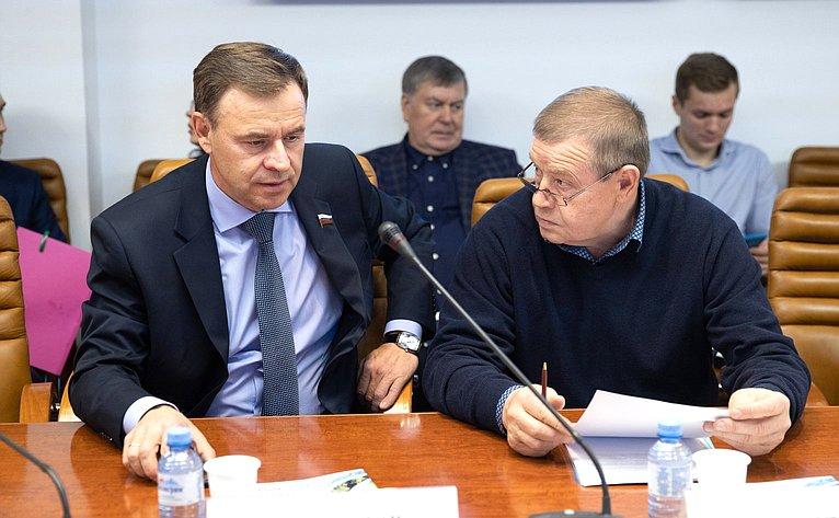 Виктор Новожилов иИван Кулабухов