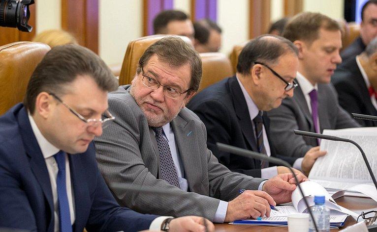 «Круглый стол» натему «Оправоприменительной практике исовершенствовании законодательства, регулирующего вопросы защиты прав изаконных интересов российских граждан зарубежом»