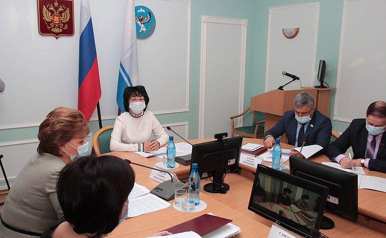 Татьяна Гигель приняла участие в«круглом столе», посвященном национально-культурным аспектам развития Республики Алтай