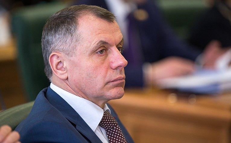 В. Константинов назаседании Президиума Совета Законодателей