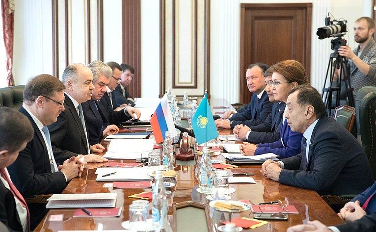 Совместное заседание Комитета СФ помеждународным делам иКомитета помеждународным отношениям, обороне ибезопасности Сената Парламента Республики Казахстан