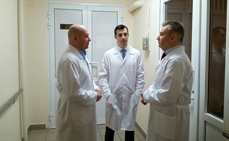 Игорь Каграманян посетил госпиталь, перепрофилированный под прием пациентов скоронавирусной инфекцией