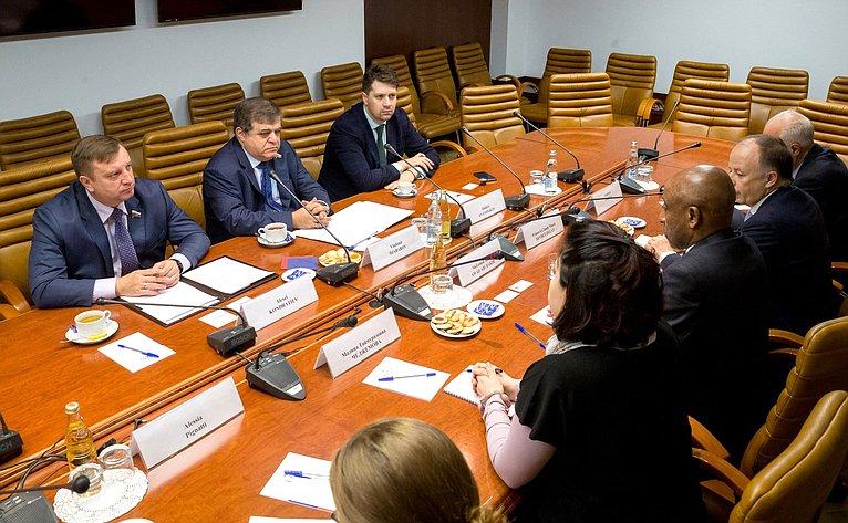 Встреча В. Джабарова сделегацией Управления Верховного комиссара ООН поделам беженцев воглаве сдиректором Департамента Ближнего Востока иСеверной Африки А. Авадом