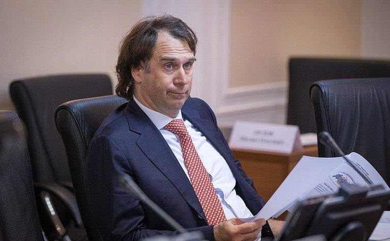 С. Лисовский нарасширенном заседание Комитета СФ поаграрно-продовольственной политике иприродопользованию