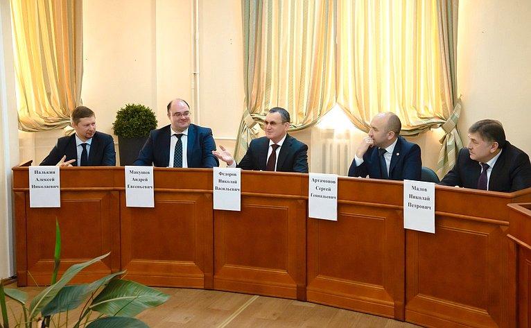 Николай Федоров посетил ведущий вуз республики ивстретился состудентами ипреподавателями