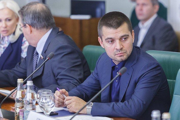 С. Мамедов Заседание Комитета общественной поддержки жителей Юго-Востока Украины