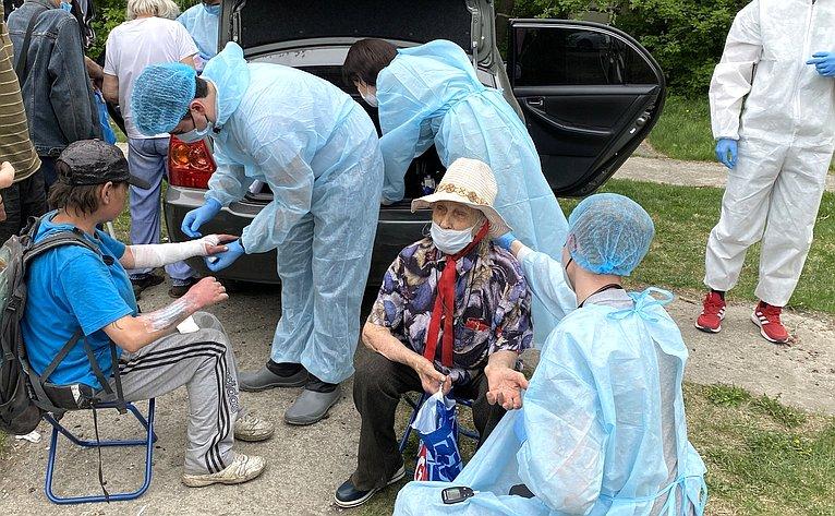 Сенатор Маргарита Павлова посетила пункт оказания медицинской помощи бездомным