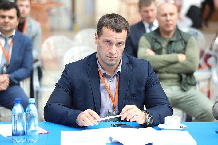 Эдуард Исаков