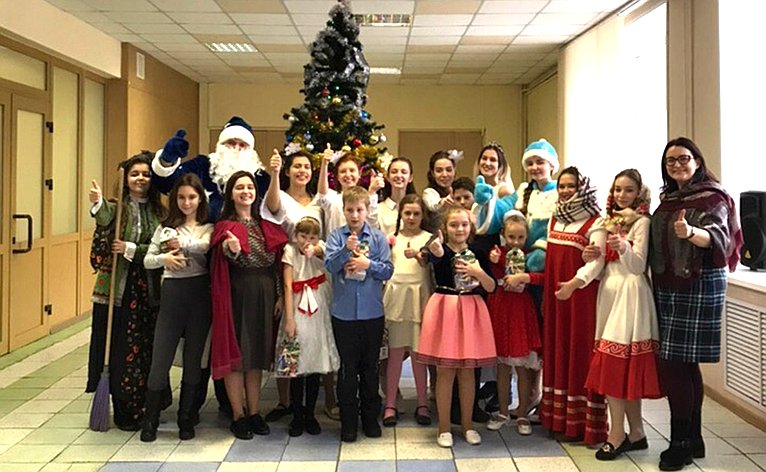 Благотворительная новогодняя ёлка была организована вПедагогическом институте Владимирского госуниверситета
