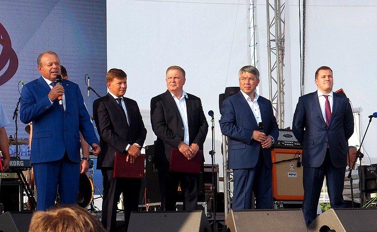 Вячеслав Наговицын принял участие впраздновании 80-летнего юбилея градообразующего предприятия— Улан-Удэнского авиазавода