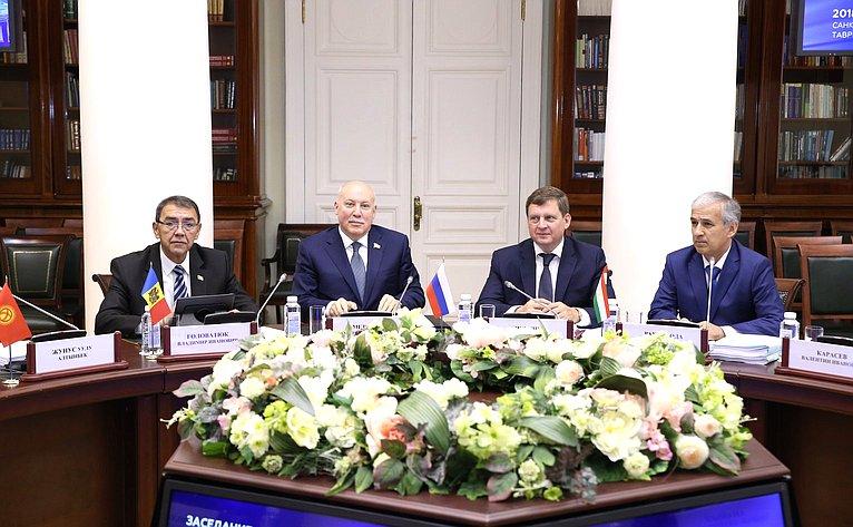 Андрей Епишин принял участие взаседании комиссии МПА СНГ поэкономике ифинансам, которое прошло вТаврическом дворце вСанкт-Петербурге
