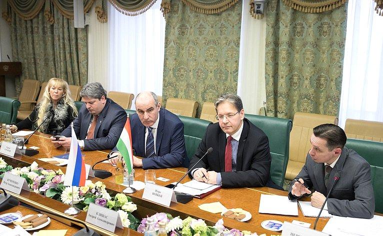 Встреча А. Клишаса спредседателем Комитета Государственного собрания Венгрии повопросам юстиции И. Вейкеем