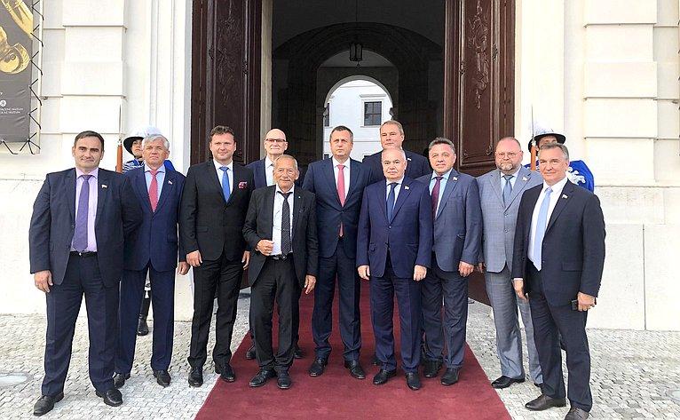 Делегация Совета Федерации приняла участие впраздничных мероприятиях послучаю 75-й годовщины Словацкого национального восстания