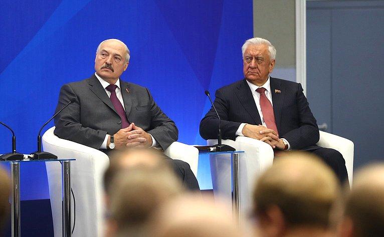 А.Лукашенко иМ.Мясникович