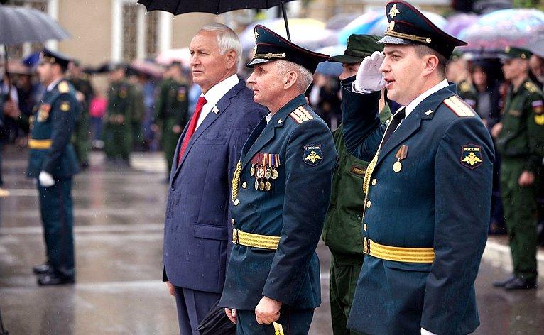 Н. Тихомиров принял участие вцеремонии приведения квоенной присяге курсантов учебного заведения