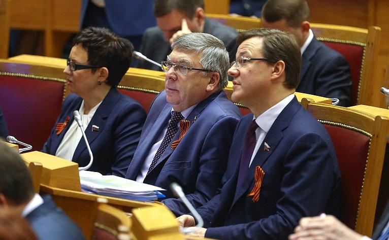 Д. Азаров иВ. Рязанский