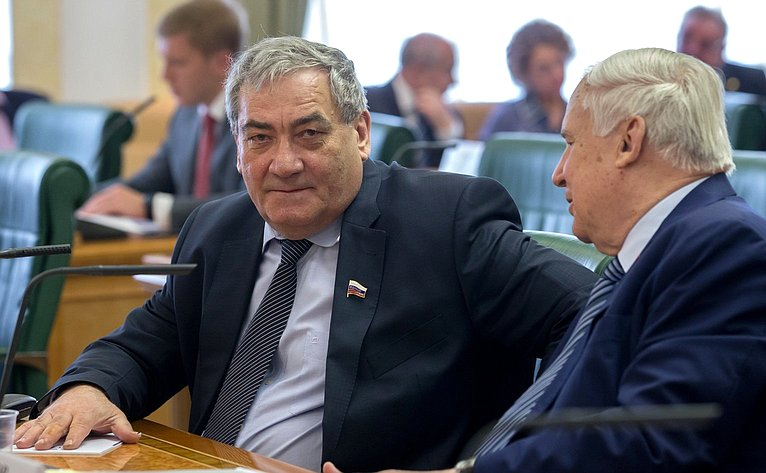 В. Штыров иН. Рыжков