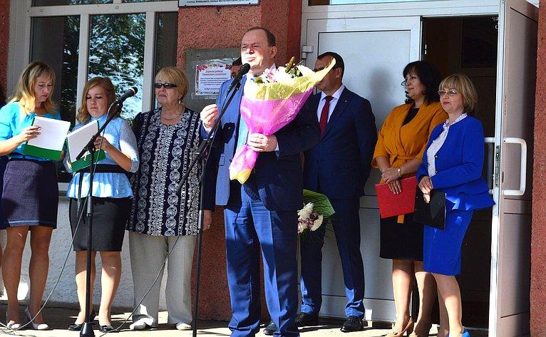 Владимир Лаптев принял участие вмероприятиях, посвященных Дню знаний