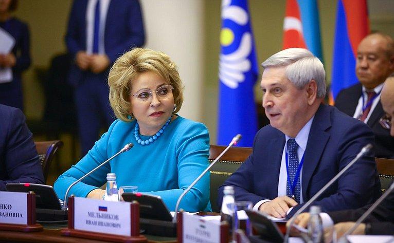 Валентина Матвиенко иИван Мельников