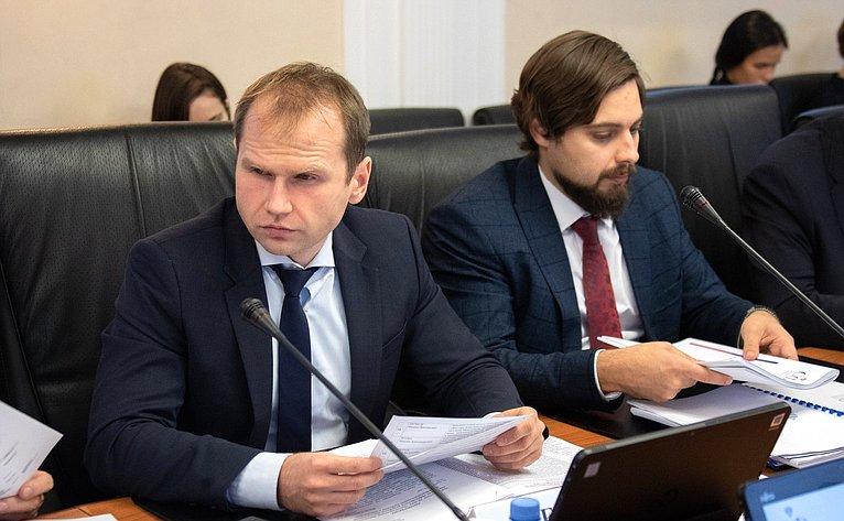«Круглый стол» Комитета СФ поэкономической политике
